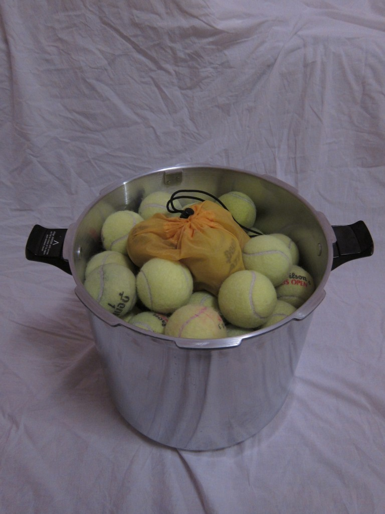 Tennis Ball Pressurizer